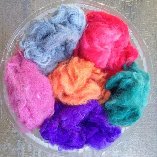 Dyed and loose Fiber